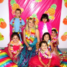 7-hula-wishes-having-a-tropical-party-with-lots-of-hula-dancing
