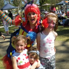 daisy-the-funky-clown-with-some-very-excited-kids-34
