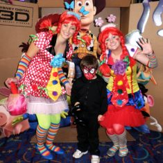 face-painting-and-roving-entertainment-for-the-advance-screening-of-toy-story-3-at-greater-union-liverpool-44